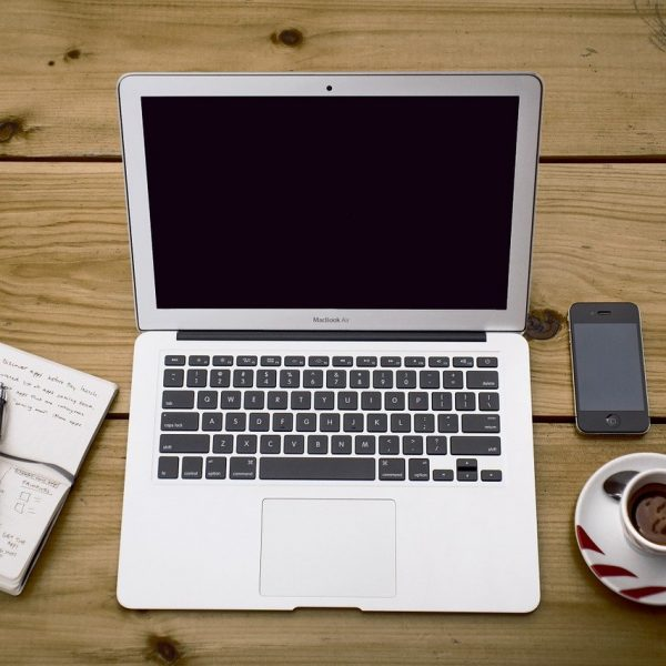 laptop, workspace, desk-336378.jpg